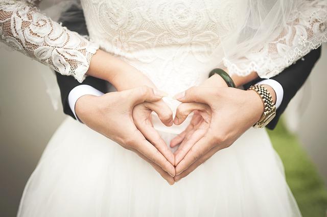 絶対的な信頼関係を構築できる場合結婚の相性は良い