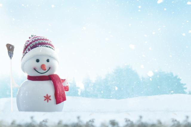 夢占い雪で遊ぶ雪だるまを作る