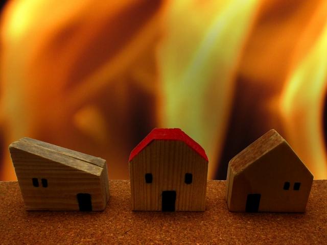 【夢占い】火事で近隣が燃える
