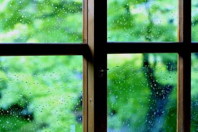 夢占い、やまない雨や長い雨の夢