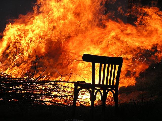 【夢占い】火事