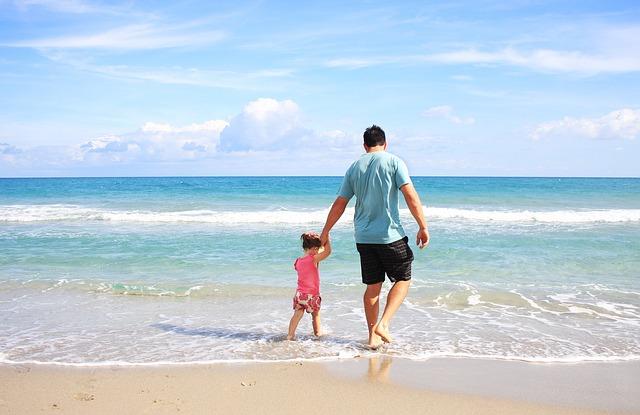 不倫相手に家族の話をする男性の心理は4パターン。心理別に家庭円満なのに不倫をする理由を解説