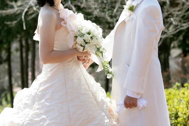 結婚式を挙げる夢占い