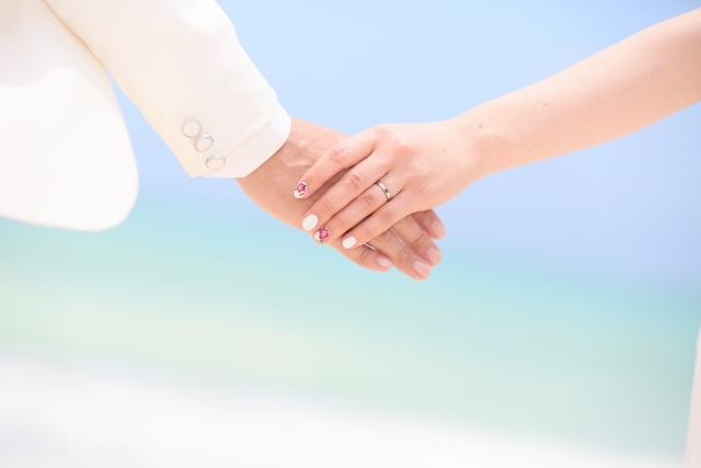 海が印象的な結婚式の夢占い