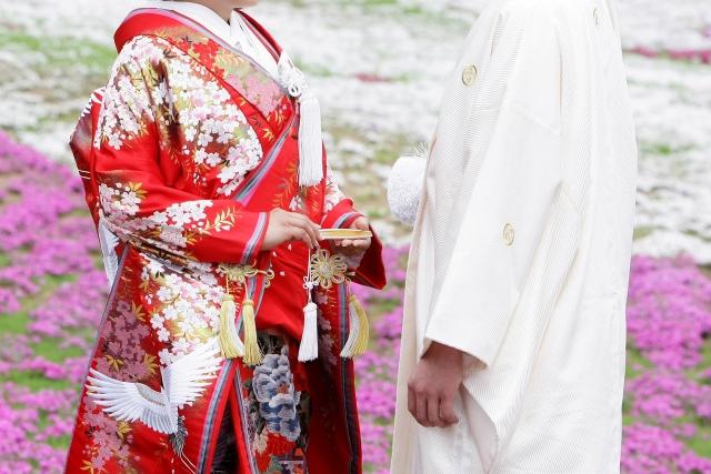 着物で結婚式を挙げる夢占い