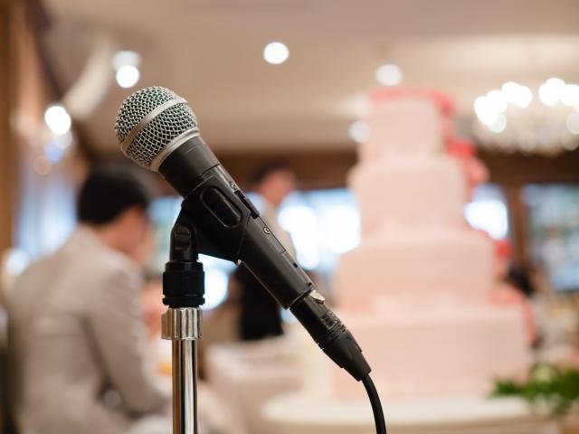 結婚式の余興で歌う夢占い