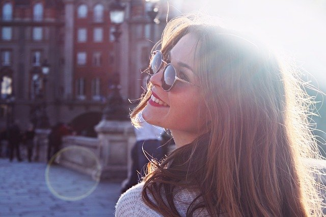 フラれても笑顔が素敵な女性は本当に強い!