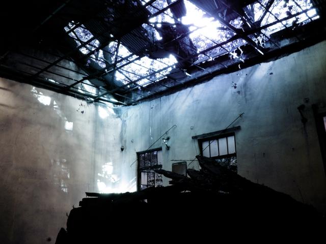 天井が壊れたり、雨漏りする夢占い