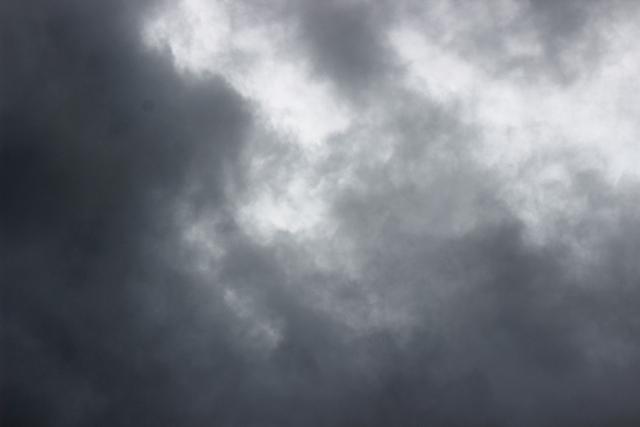 雨を伴う雲の夢占い