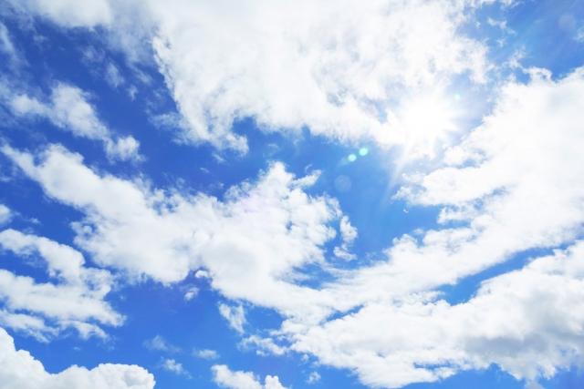 【夢占い】雲はこれからの状況を暗示している!色や種類、動き、行動別に解説!