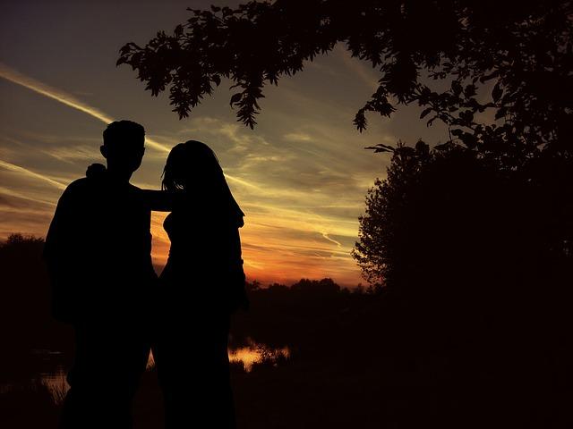 【夢占い】元カレは元恋人自身または過去にとらわれていることを意味する!