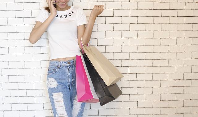 買い物に誘う夢占い