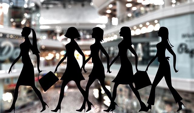 買い物で行列に並ぶ夢占い