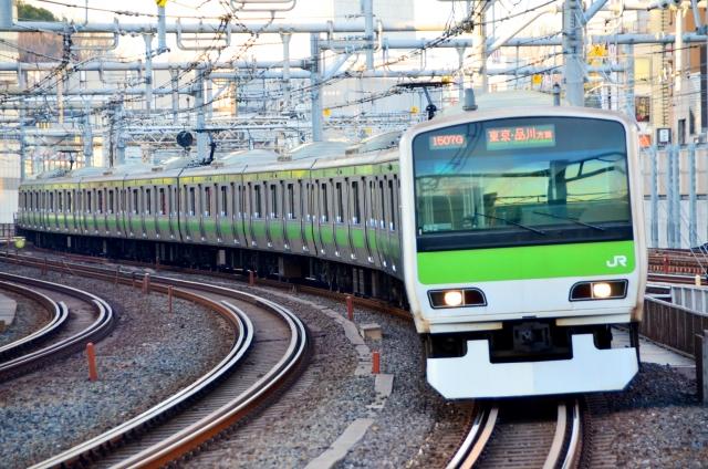 【夢占い】電車の夢は人生そのものをあらわす!事故・乗り換えなどの夢の意味を詳しく解説!
