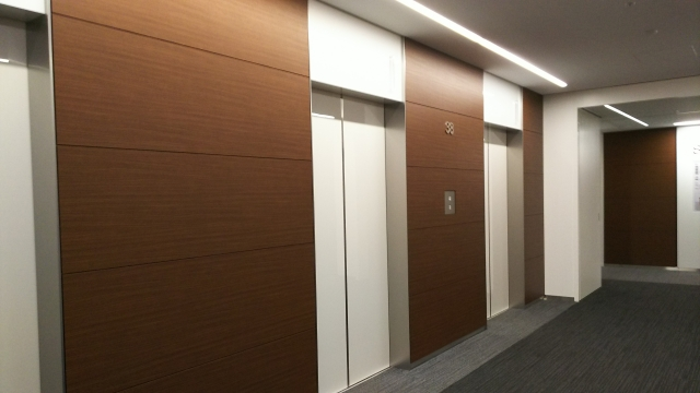 【夢占い】エレベーターは取り巻く環境の変化を暗示!良い暗示の場合も注意が必要!