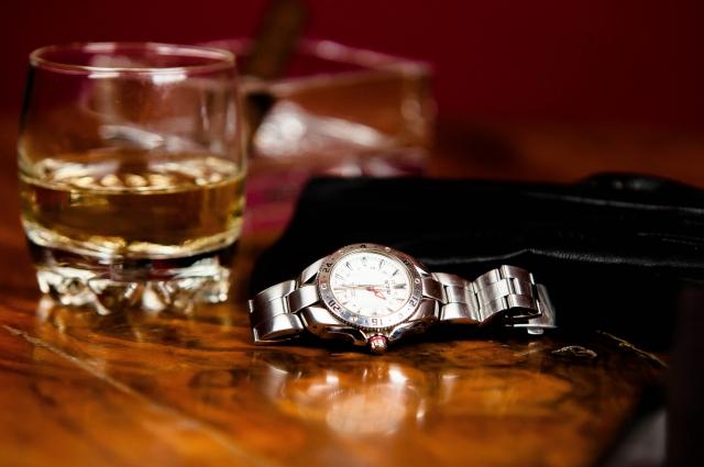 不倫相手にNGなプレゼント:財布・時計・指輪・ピアス