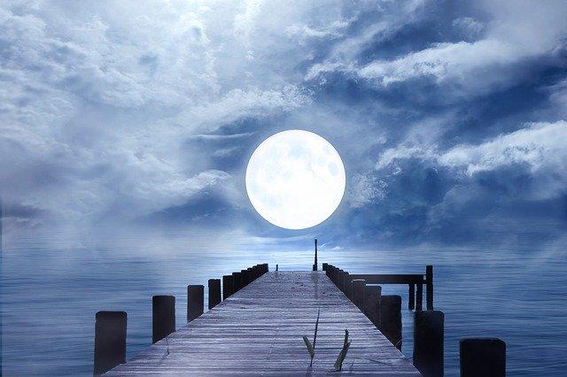 月のリズムを活用し、願望を実現させよう!