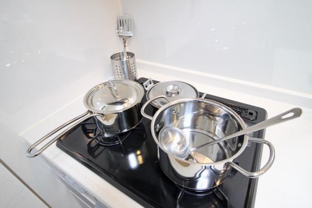 調理器具を磨く