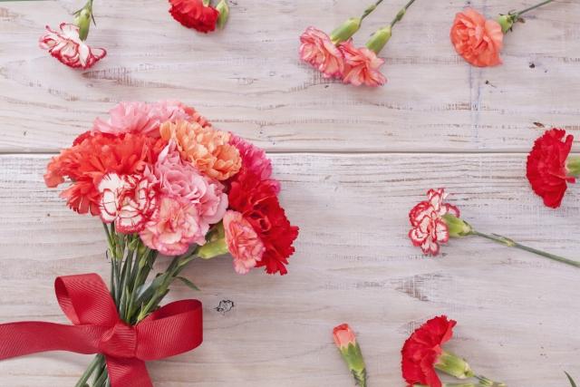 フリル状の花と細長い花びらの花は『出会い運アップ』