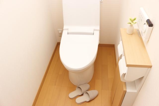 トイレの気が飛び散らないように工夫している