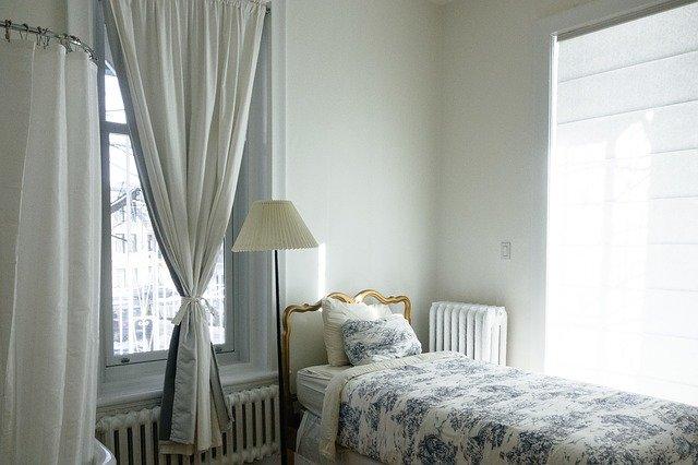 風水的に良い寝室にするための9つのポイント!運の補充場所なのでシンプル綺麗に!