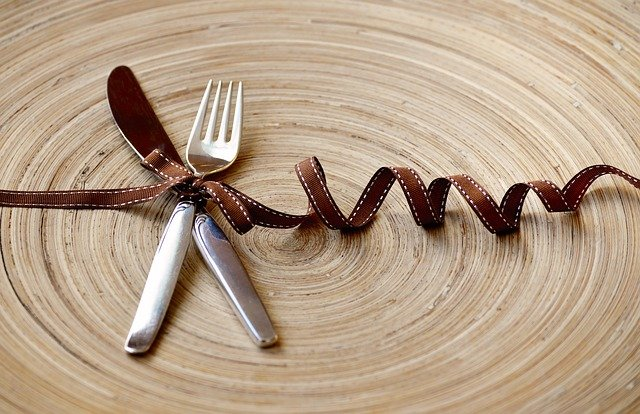 カトラリーのナイフは別で収納する