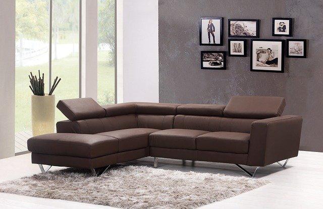 質の良いソファが置かれている