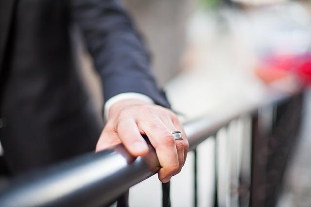 男性にとって結婚は『現実』