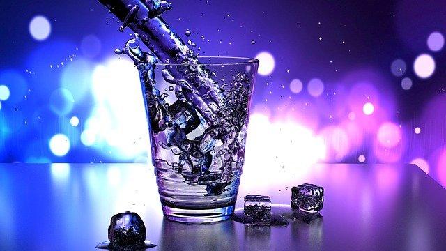 水が氷を少しずつ解かすように、意識の5%を占める顕在意識を納得させることが、潜在意識を書き換えるための第一歩です。